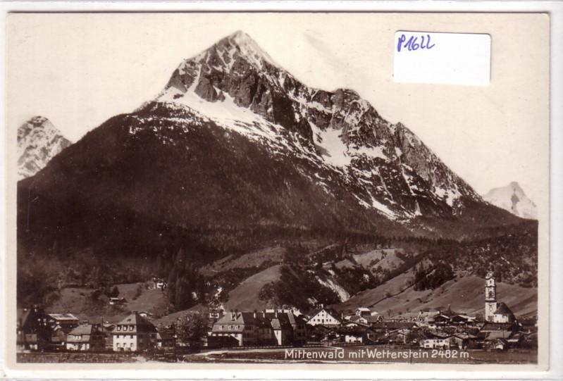 Mittenwald mit Wetterstein / Ortsansicht mit Kirche