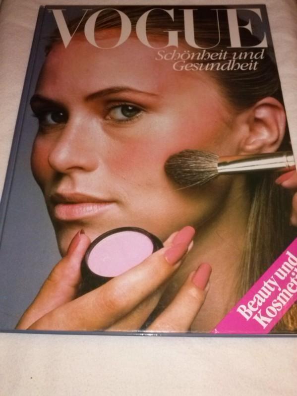 VOGUE - Schönheit und Gesundheit - Beauty und Kosmetik - praktischer und aktueller Leitfaden mit Pflegetips, durchgehend bebildert und mit Anleitungen! Mann, Robert et al