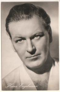 """""""Fotokarte/Autogrammkarte von Heinz Engelmann in dem Standard-Film """"""""Drei vom Variete"""""""". Foto: Standard-Film, Nr. 441"""""""