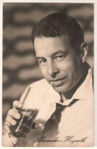"""""""Fotokarte/Autogrammkarte Alexander Hegarth spielt eine Hauptrolle in dem DEFA-Film """"""""Meine Frau macht Musik"""""""". Foto: Manfred Klawikowski, Nr. 211/543. Progress Starfoto"""""""