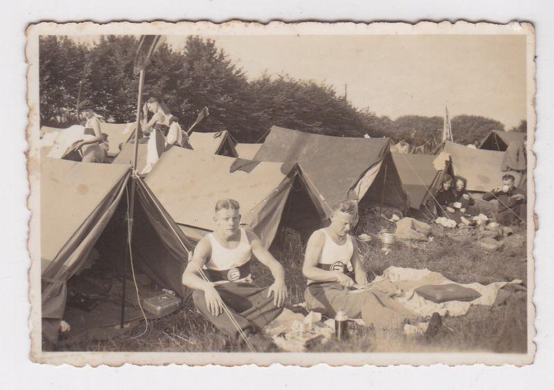 """""""Foto privat Münster Zeltlager Sportler Sporttrikots mit """"""""E"""""""" im Brustring 1930er Jahre"""""""