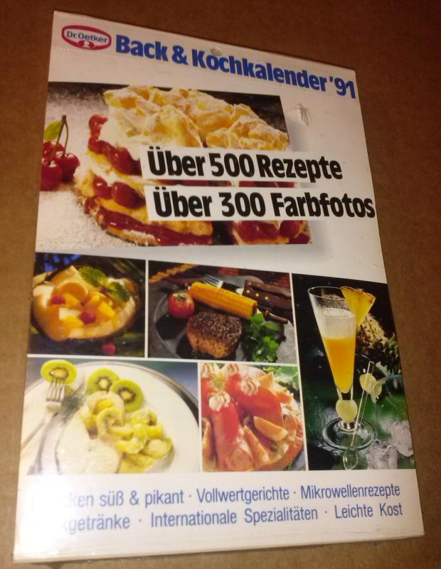 Dr. Oetker Back&Kochkalender 1991 ['91] / Über 500 Rezepte Über 300 Farbfotos / Backen süß & pikant - Vollwertgerichte - Mikrowellenrezepte - Mixgetränke - Internationale Spezialitäten - Leichte Kost - noch in Folie eingeschweißt