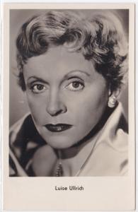 AK Autogrammkarte Luise Ullrich spielte die Hauptrolle in Vergiß die Liebe nicht, ungelaufen