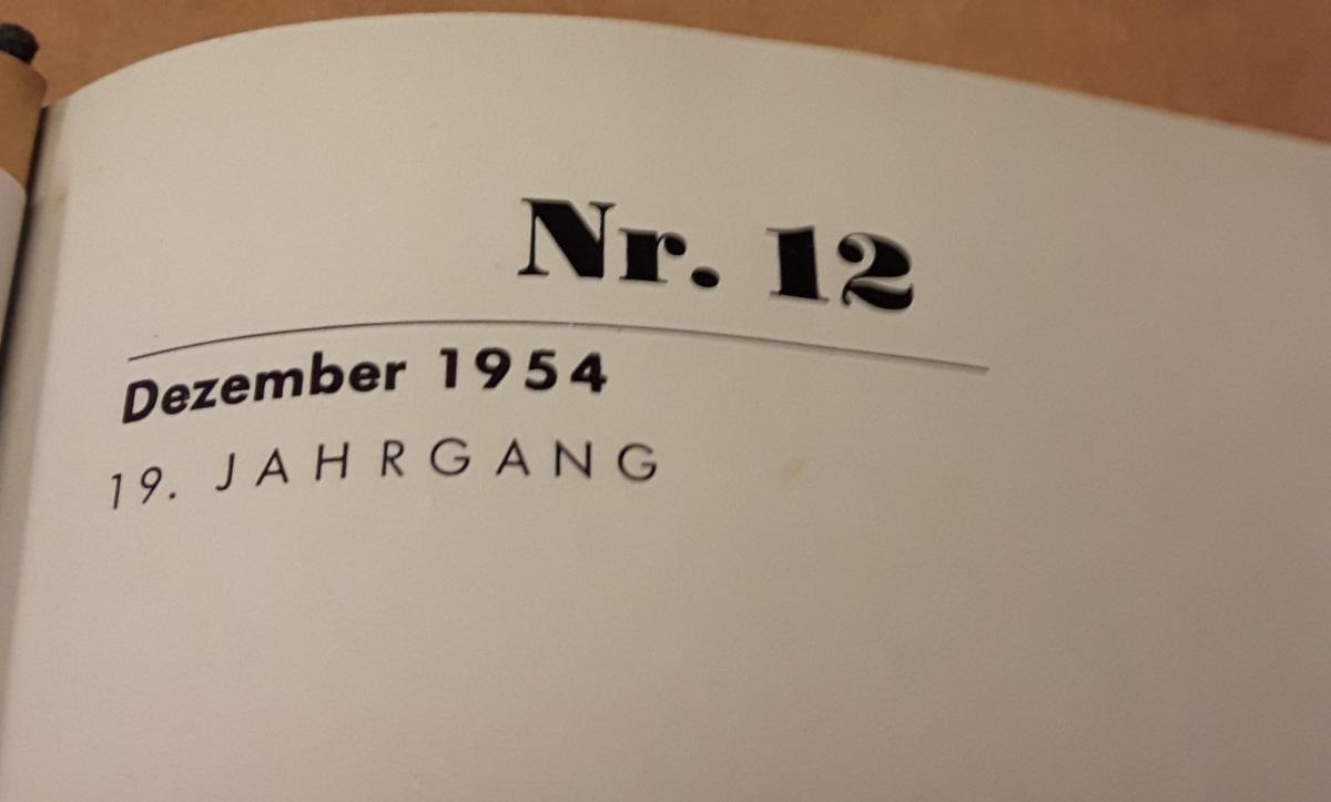 Die Harmonika - Monatsschrift für die Freunde der Harmonika / 19. Jahrgang 1954 KOMPLETT (9 Einzelhefte) in der Original HOHNER-KLEMM-SAMMELMAPPE (Kl. SaMa 1) vorhanden - Die einzelnen Zeitschriften sind reich bebildert und zeittypisch im Stil der 1950... 2