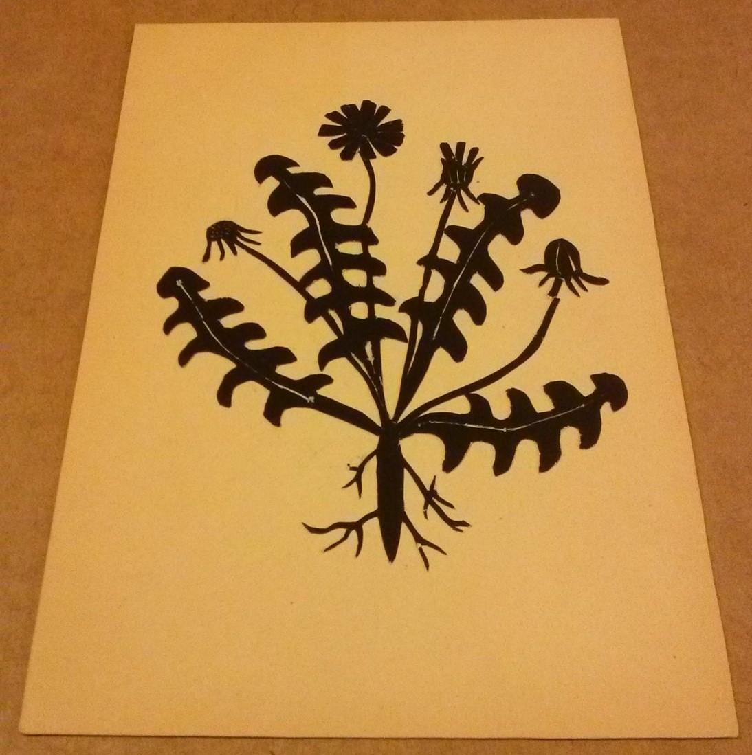Scherenschnitt Löwenzahn mit Blättern und Blüten / Pusteblume - schwarzes Papier fühlbar - ohne jegliche Bezeichnung (wohl 1960er Jahre) 0