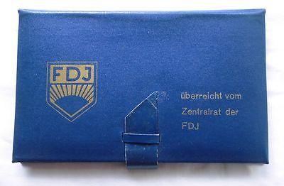 Seltene DDR Mappe mit 8 Medaillen überreicht vom Zentralrat der FDJ (106020)