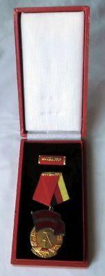 DDR Orden Banner der Arbeit Stufe III im Original Etui (113368)