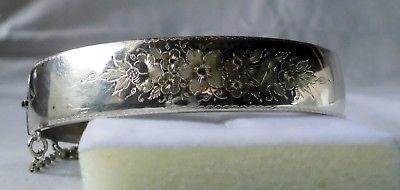 Romantischer alter Armreifen Armspange Silber mit gravierten Blüten (116849)