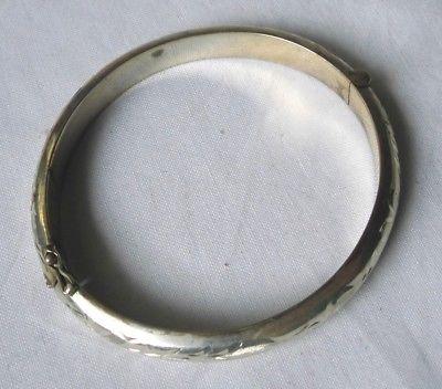 Schöner alter Armreifen Armspange Silber 835 mit graviertem Muster (114194)