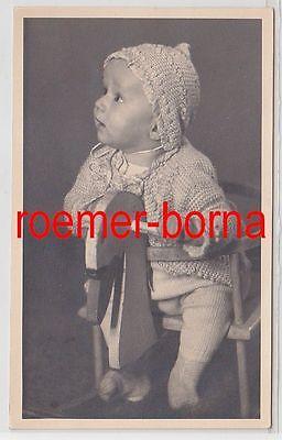 83232 Foto Porträt Baby auf einem Schaukelpferd aus Halle um 1930