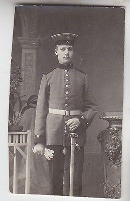 66583 Foto Soldat Preussen mit Uniform und Degen um 1915