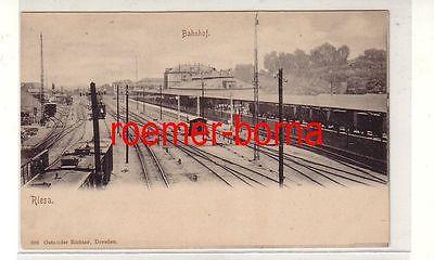 80744 Ak Bahnhof Riesa an der Elbe Bahnsteigansicht um 1900