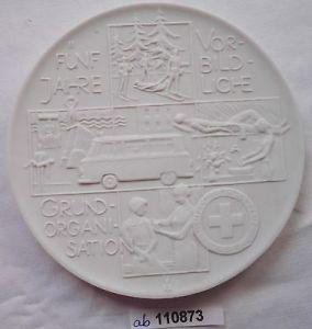 DDR Porzellan Medaille 5 Jahre DRK vorbildliche Grundorganisation (110873)