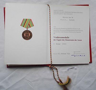 DDR Urkunde Verdienstmedaille des Ministerium des Innern in Bronze 1982 (114517)