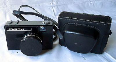Russische Kleinbildkamera Vilia mit Triplet 69-3 4/40 mit Lederetui (115530)