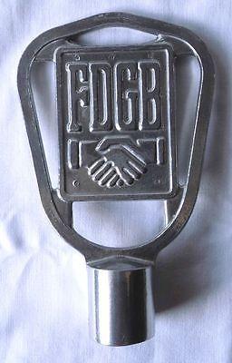 Seltene DDR Fahnenspitze FDGB aus Aluminium (109904)