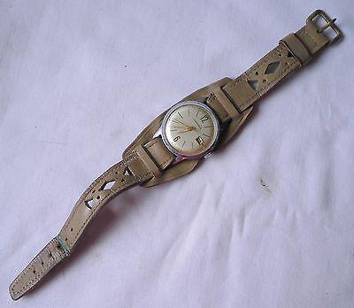 Alte Herren Armbanduhr Vintage Marke Junghans mit Lederarmband (114230)