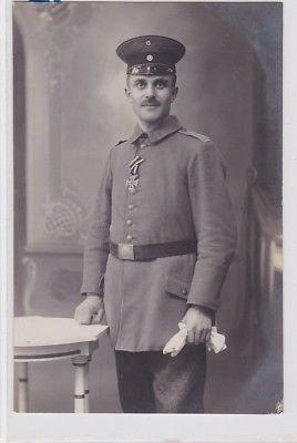 85986 Foto Ak Soldat mit Eisernem Kreuz um 1915