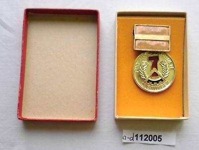 DDR Medaille für ausgezeichnete Leistungen im 7 Jahrplan ohne Jahreszahl(112005)