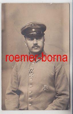 78820 Foto Ak Hauptmann mit Eisernem Kreuz 1. und 2.Klasse 1.Weltkrieg