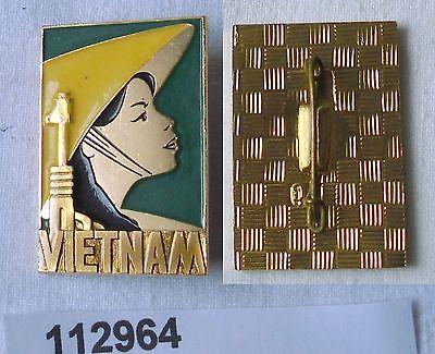 Altes Abzeichen Vietnam Frau mit Maschinengewehr und Strohhut (112964)