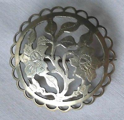 Hübsche Brosche 835er Silber Handarbeit mit Blumenmotiv (111444)