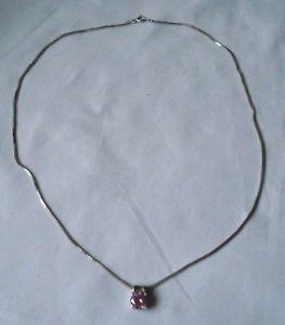 Charmante Kette aus 925er Silber mit rosé rosa farbenem Stein Anhänger (101369)