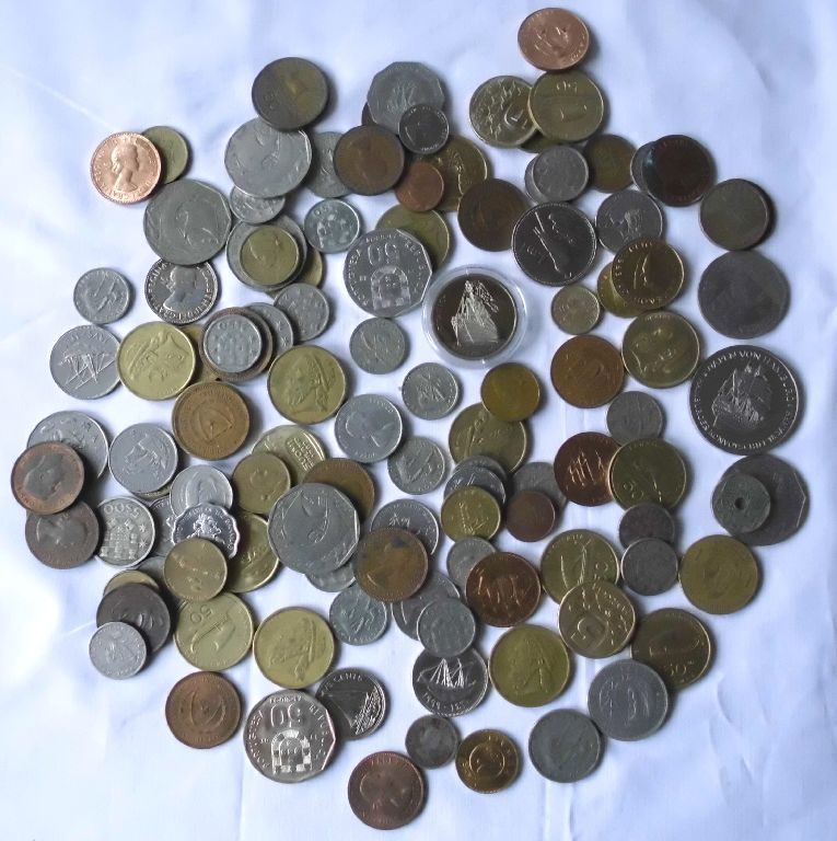 115 Kleinmünzen mit Schiffsmotiven aus aller Welt (123133)