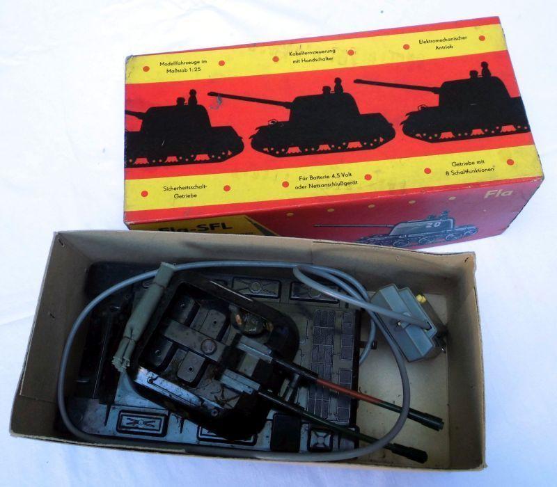 DDR Spielzeug ELMES Fla-SFL mit Kabelfernsteuerung im Originalkarton (109757)