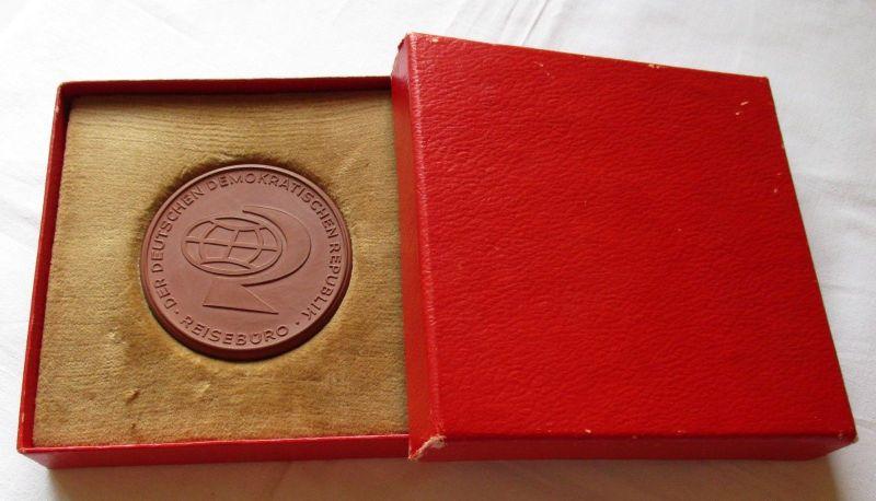 Meissner Porzellan Medaille 10 Jahre Reisebüro der DDR 1958-1968 + Etui (109386)