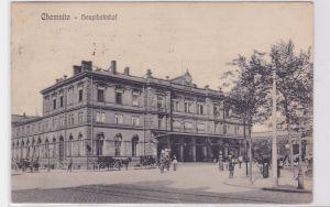 71892 AK Chemnitz - Hauptbahnhof davor Passagiere und Kutschen 1913