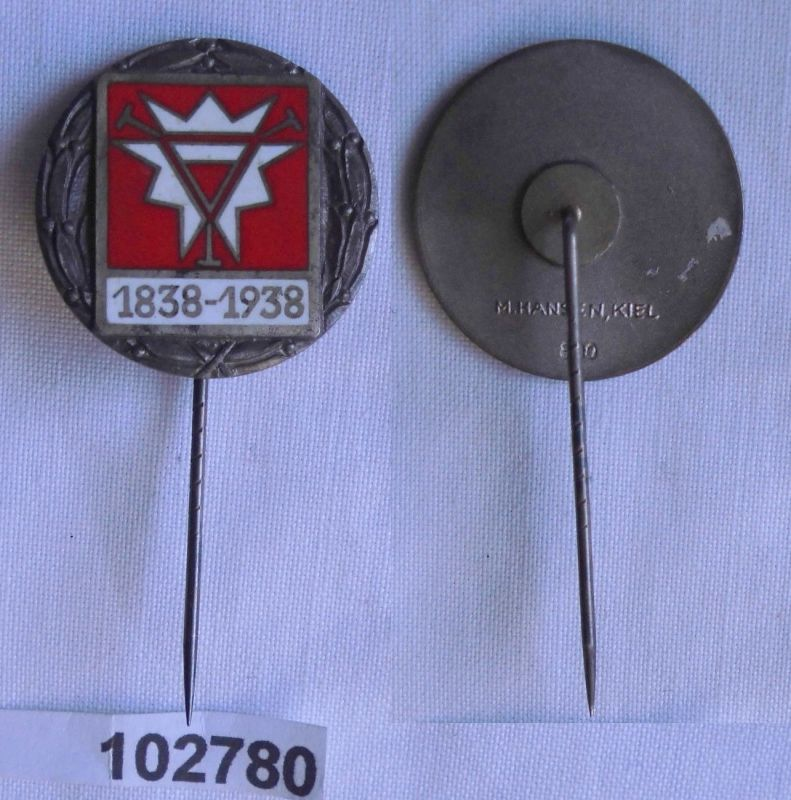 Emailliertes Abzeichen 800er Silber Kiel Wappen rot weiß 1838-1938 (102780)