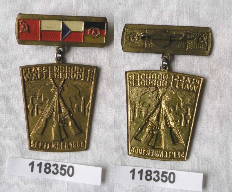 DDR Abzeichen Klassenbrüder Waffenbrüder September 1963 (118350)