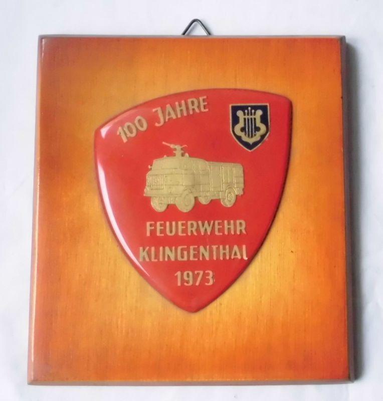Altes Wandbild mit Emaille Auflage 100 Jahre Feuerwehr Klingenthal 1973 (110034)