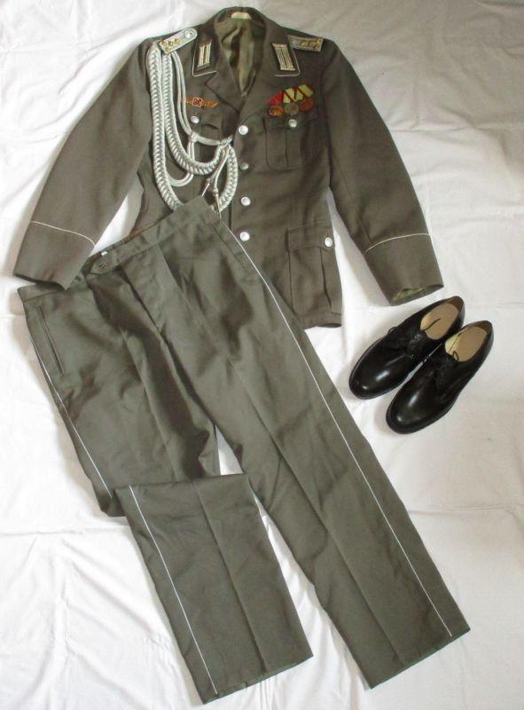 DDR NVA Uniform Schulterstücke Oberleutnant Pioniere und Orden (116801) 0