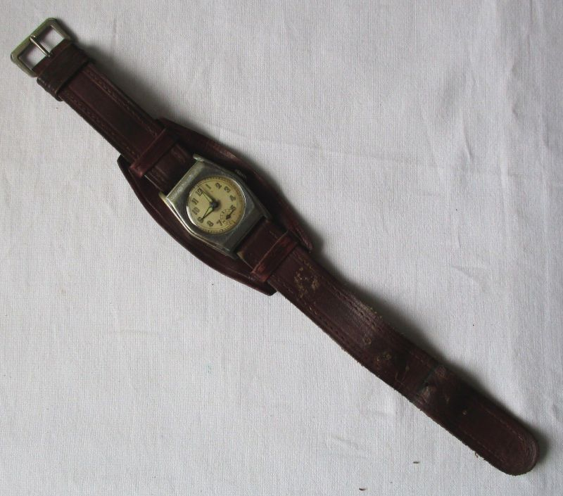 Schöne Vintage Armbanduhr mit Ornamentrand & Lederarmband (119075)