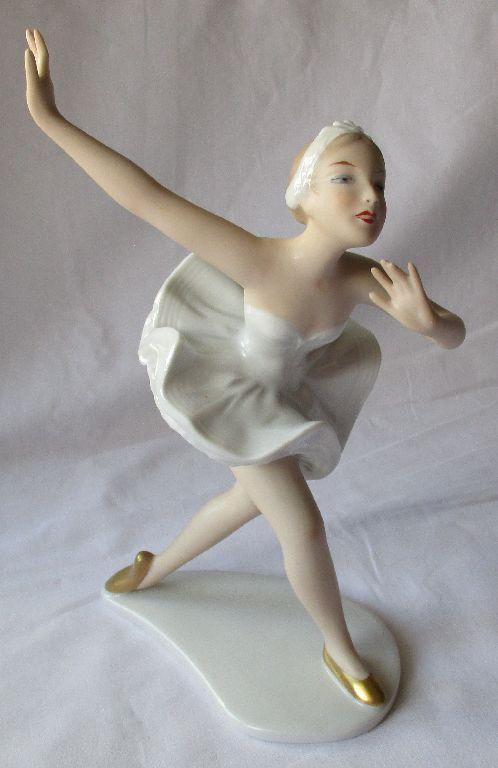 Wallendorf Mädchen, Frau aus Porzellan, Ballerina, 23 cm , gemarkt (109457)