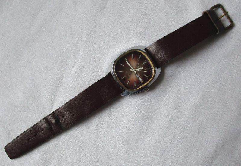 Glashütte Armband Uhr Spezichron 22 Rubin Datumsanzeige Handaufzug DDR (113473)