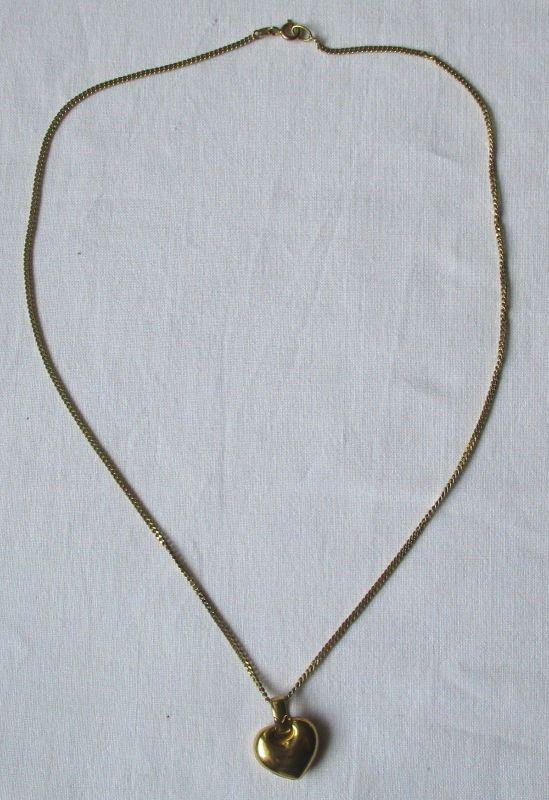 Charmante Kette aus 333er Gold mit herzförmigem Anhänger (121255)