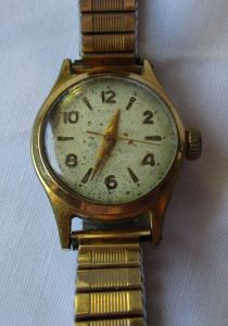 Vergoldete Slava Damen Armbanduhr mit Handaufzug (123993)