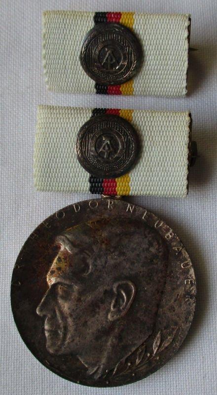 DDR Orden Dr. Theodor Neubauer Medaille in Silber (121877)