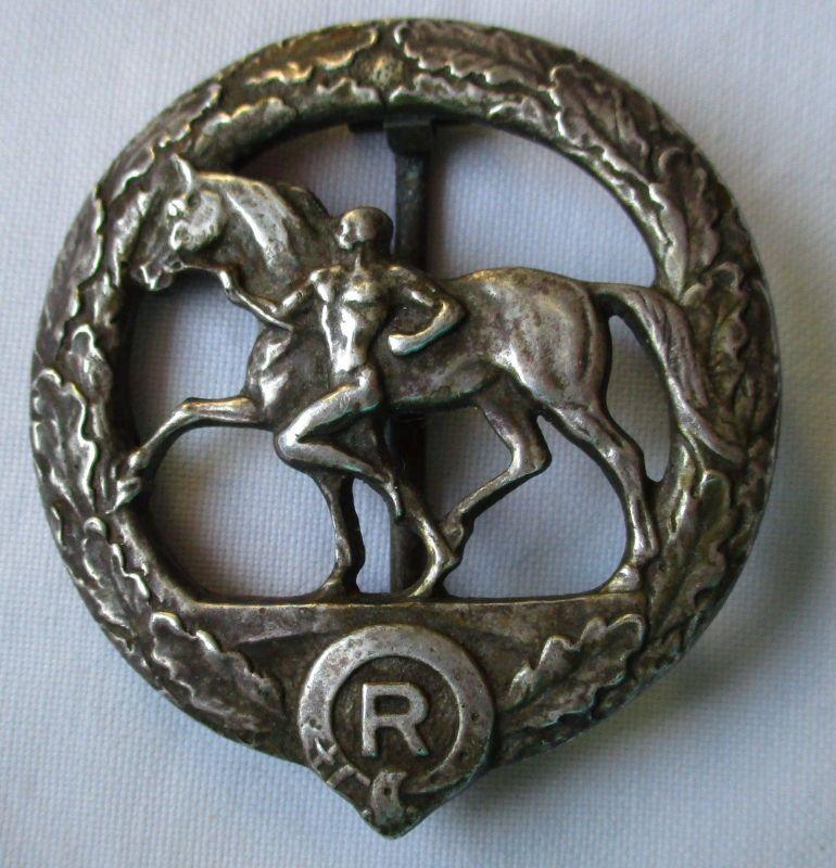Deutsches Pferdepflegerabzeichen in Silber, Buntmetall versilbert (124522)