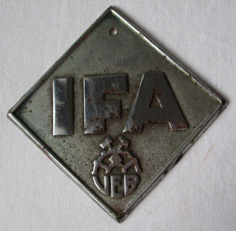 Alte große Kfz Plakette VEB IFA Oldtimer Markenschild alter Aktivist DDR /125793