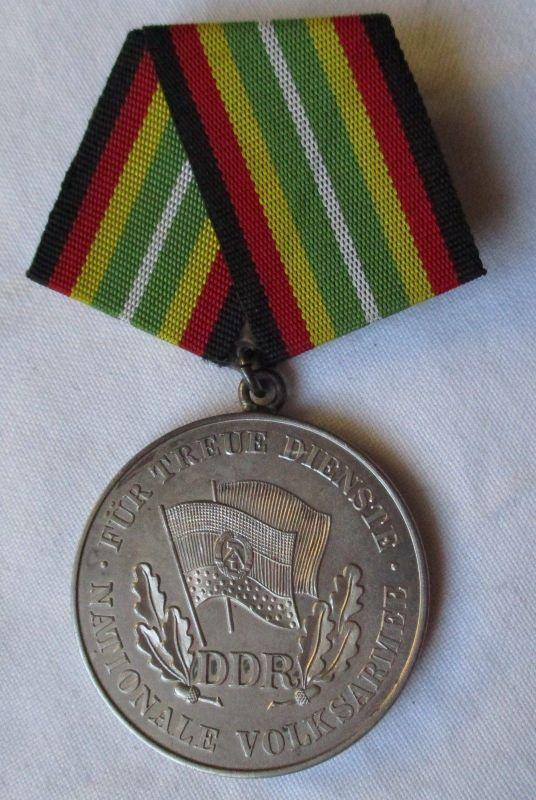 DDR Medaille treue Dienste in der NVA in Silber 900er Punze (126516)