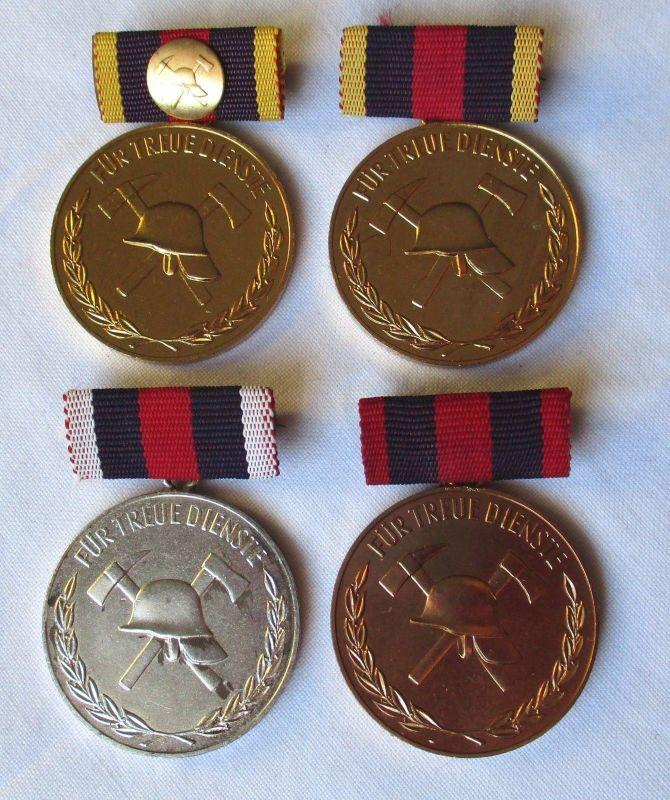 4 x DDR Medaille für treue Dienste freiwillige Feuerwehr (126391)