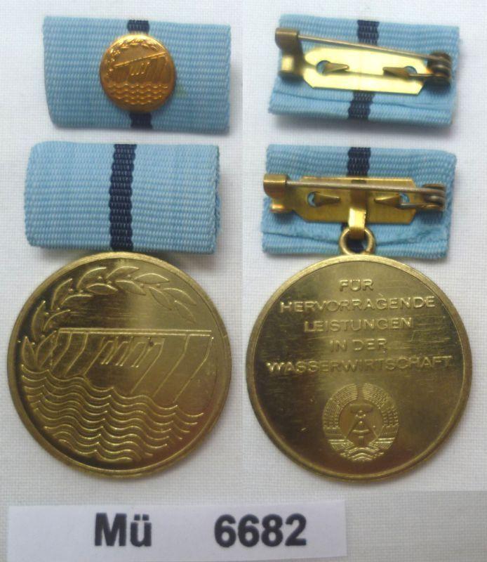 Seltene DDR Medaille fuer hervorragende Leistungen in der Wasserwirtschaft