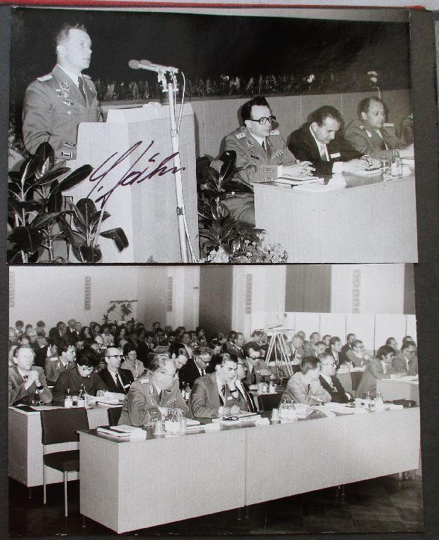 Sehr seltenes DDR Fotoalbum NVA mit 132 Fotos und Postkarten (103842)