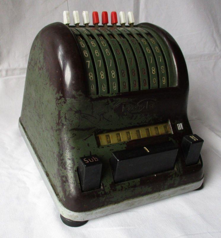 Triumphator, mechanische Rechenmaschine mit 8 Stellen Nr. 000257 (125294)