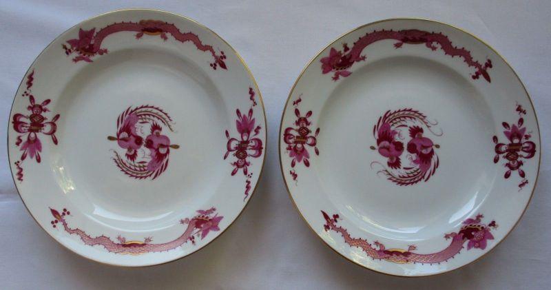 Zwei MEISSEN Porzellan Teller reicher Hofdrache purpur Goldrand Ø 18 cm (124596)