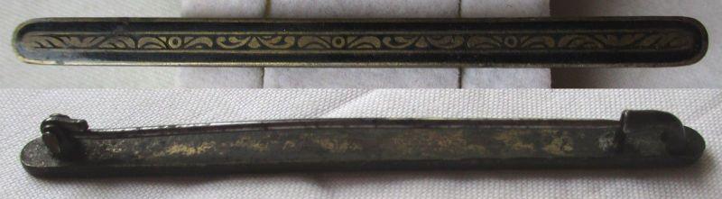 Wunderbare Brosche mit Ornamentband Verzierung um 1930 (102582)